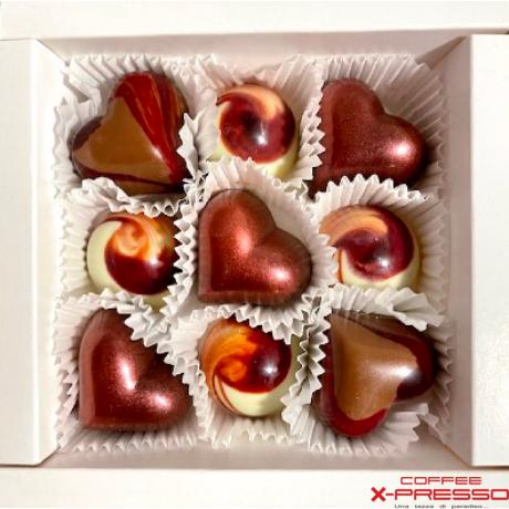 Valentin napi szeretet csomag Gourmet 250g + ORO 250g + Gastronomia 250g + 9 db-os Kézműves csokoládé válogatás (Boros)